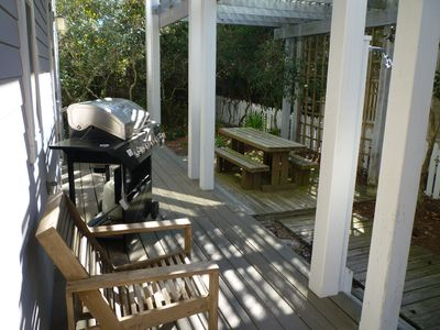 Gas Grill, Outdoor Dining & Rinse Shower On Main Floor Side Deck