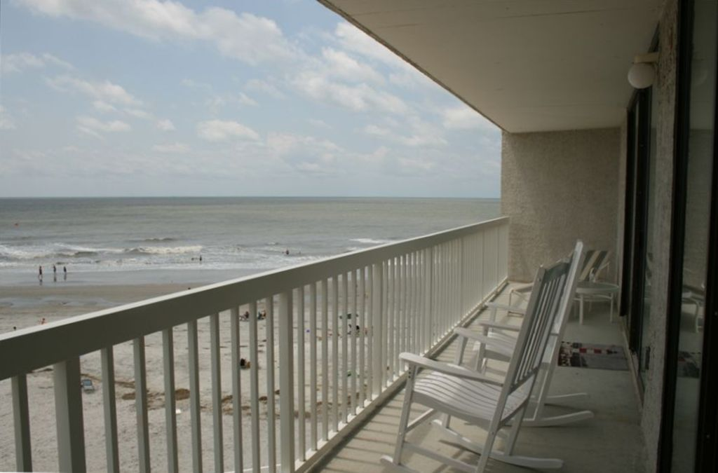 Charleston oceanfront villa huge 4br 4 ba vrbo for Balcony overlooking ocean