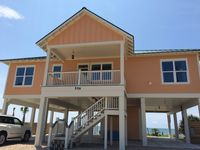 4 Bedroom/4 Bath With Private Pool. Beautiful Views