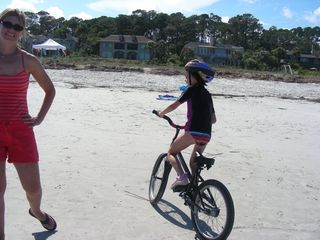 Palmetto Dunes villa photo - Kids love to ride the beach