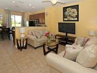 Newly Renovated 3BD/3BA Gorgeous Townhome, 1.5 Mile To Disney World
