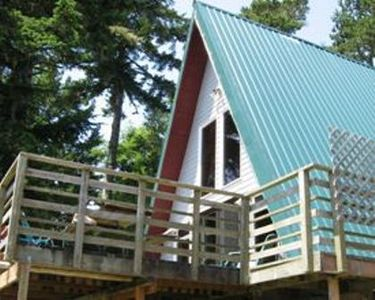 A-frame w/deck over lake