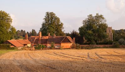 Luxury Tudor Cottage, next to church in Beautiful Village, nr. Lavenham, Suffolk