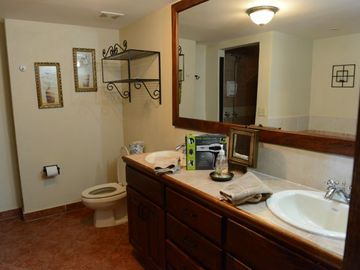 Master Bath - w/Shower & Tub
