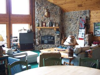 Elkhorn house photo - Make yourselves at home in a lodge-like setting