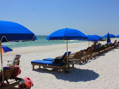 Book with Vacation Place Rental Management Team & Get free beach chairs.