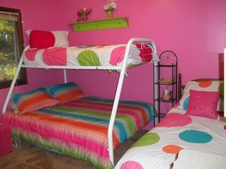 Pentwater cottage photo - Pink and green room - Double/twin bunk bed with additional twin bed