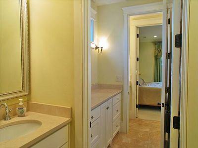 Jack-n-jill bath shared between two king bedrooms