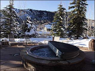 Snowmass Village condo photo - Hot Tub