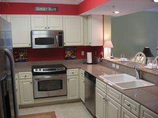 Fort Walton Beach condo photo - Well equipped kitchen