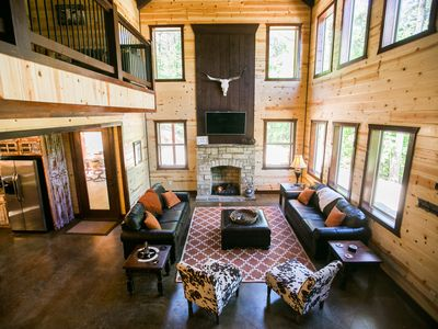 """On the Rocks"" Luxury Cabin! 5 Bdrms; 4 Bths; Hot Tub; Fire Ring; Hillside Views"