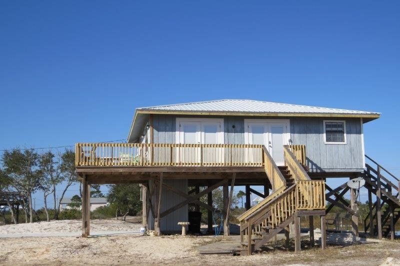 Fort morgan house rental pet friendly beach home w 3 for 9 bedroom beach house rental