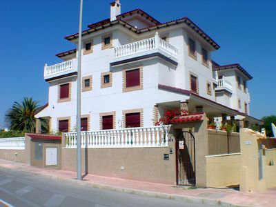 BEACH DIRECT DESCENT, 'WIFI, TV English and French, PRIVATE POOL IDEAL FAMILIES