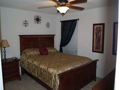 Seasons house rental - Upstairs Queen Bedroom #7