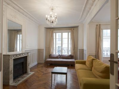 Holiday apartment, 110 square meters , Grenelle, France