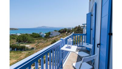Apartment by the sea in Tinos