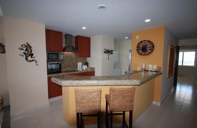 Kitchen with Granite Counters, Breakfast Bar, Washer/Dryer