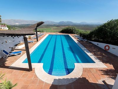 Villa With 17 Metre Pool And Panoramic Views