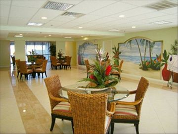 Lobby Meeting Area and Lounge