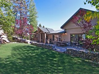 Heavenly Valley cabin photo - Large front yard - perfect for kids to play.
