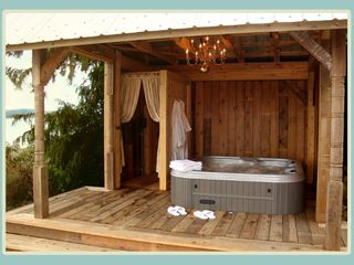 Courtenay house photo - Hot Tub Cabana with Outdoor Shower