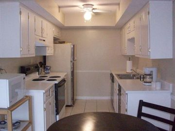Huntsville condo rental - Fully equipped Galley Kitchen