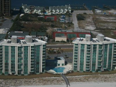 Perdido Towers Complex: Pool, tennis courts, boat docks