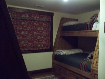 Bunk Room Suite- built in full beds on bottom and twin on tops- two sets-