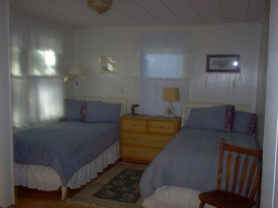 Ground Floor Bedroom with 2 twin beds.