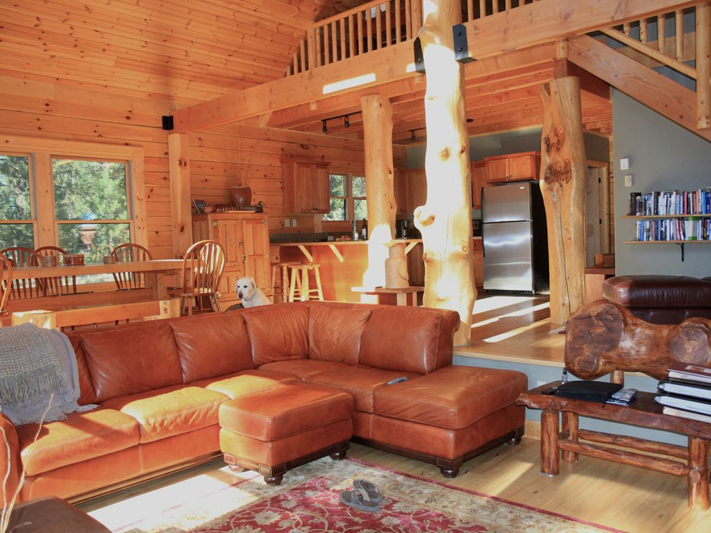 The stereotype of luxury log cabin vrbo for Log living room