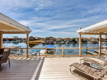 Discovery Bay house rental - You can't beat this home's prime waterfront location