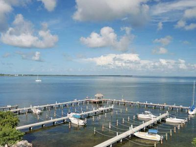 Steps away from the Florida Bay. The view says it all... YOU ARE IN THE KEYS!