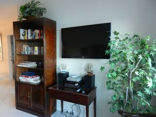 Catalina Island condo photo - Flat screen TV, games, books, etc. for your enjoyment!