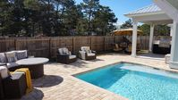 NEW Luxury Home,  Indoor/Outdoor Living  + Beach Set-up & Heated Pool!!