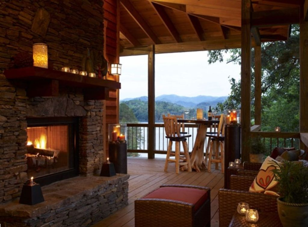 A Luxurious Cottage On The Shores Of Lake Vrbo