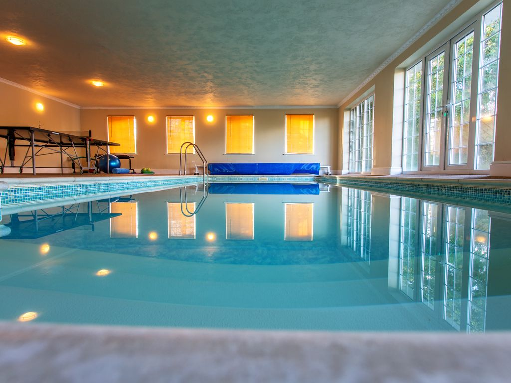 The retreat indoor pool sauna luxury holiday apartment - Large holiday homes with swimming pool ...