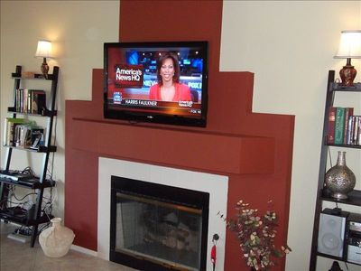 Living Room has 42 inch HDTV with HD programming, Bluray DVD, and gas fireplace.