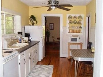 Full size, fully equipped kitchen. Coffeemaker, stove/oven, microwave