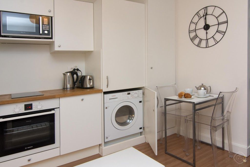 Apartment In Paris With Washing Machine