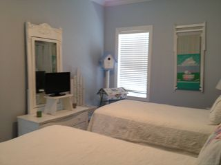 Orange Beach condo photo - Twin Bedroom