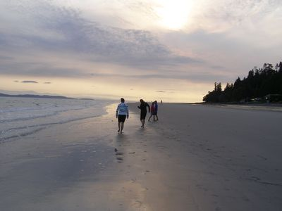 Qualicum Beach house rental - Early morning walk down the sand at low tide