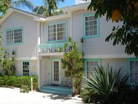 Captiva - Pool Home - Footsteps to Beach and Bay. 3rd property from beach.