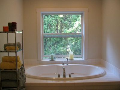 Master deep bath tub for two