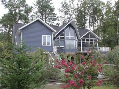 Stunning, Immaculate, Contemporary Home Near Beach And Ponies