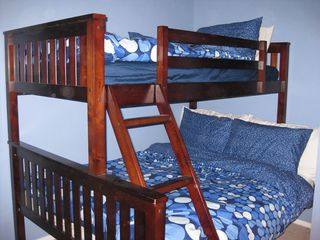 Anaheim townhome photo - Bunk Beds in Bedroom 1 w/down comforters