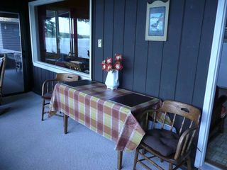 Winthrop cottage photo - Sun-porch for dining (drop-leaf table)
