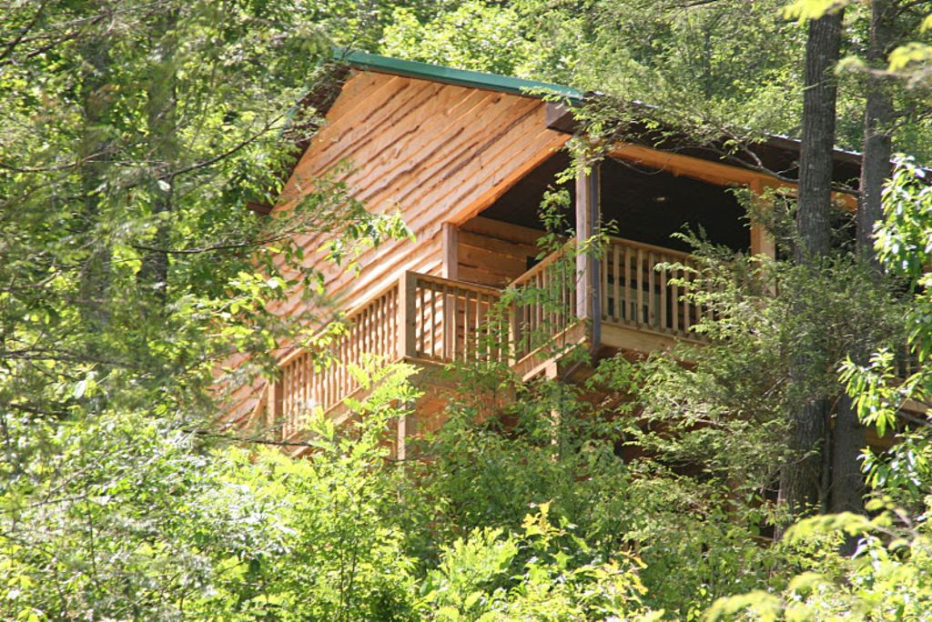 Appalachian mountain vacation cabin in vrbo for Appalachian mountain cabins