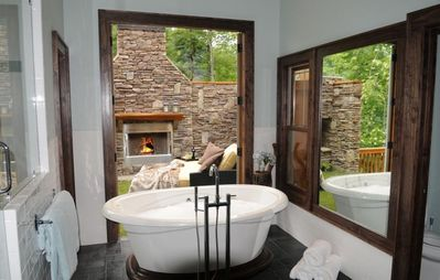 Tuckasegee house rental - Master Bath #1