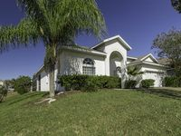 Executive Home with Pool, Spa & Games Room minutes to Disney World!