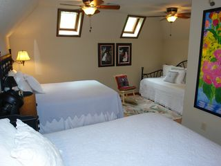 Big Canoe house photo - Upstairs double queens with daybed and full bath.